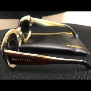 Authentic Balenciaga Sunglasses 🕶